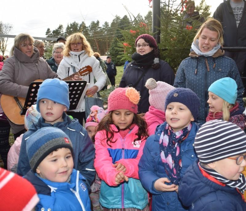 Weihnachtsmarkt Salzwedel.Hunderte Besucher Beim Dährer Weihnachtsmarkt Gemeinde Dähre