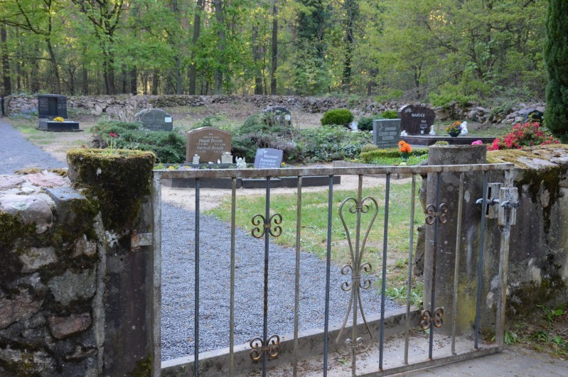 Rustenbecker Friedhof ist jetzt wieder eben
