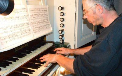 Fahrradkantor zieht Register der Dährer Orgel