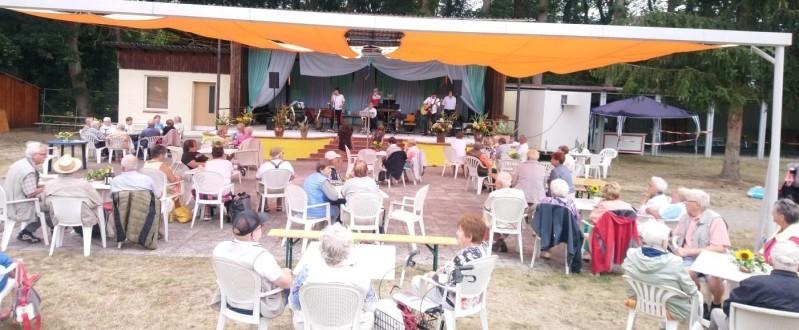 Livemusik im Waldbad genossen